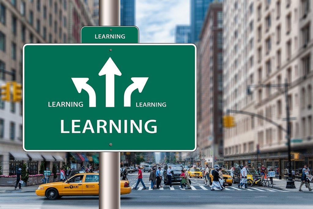trafikskylt som visar att alla vägar leder till att man lär sig något.